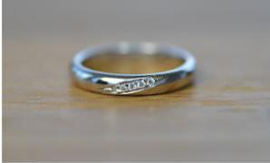 指輪 連掘留め